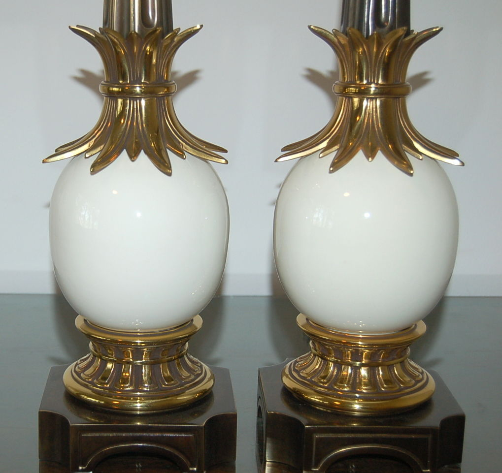 White Pair Of Vintage Stiffel Ostrich Egg Lamps Swank